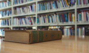 Comment participer au salon du livre dans les Alpes Maritimes